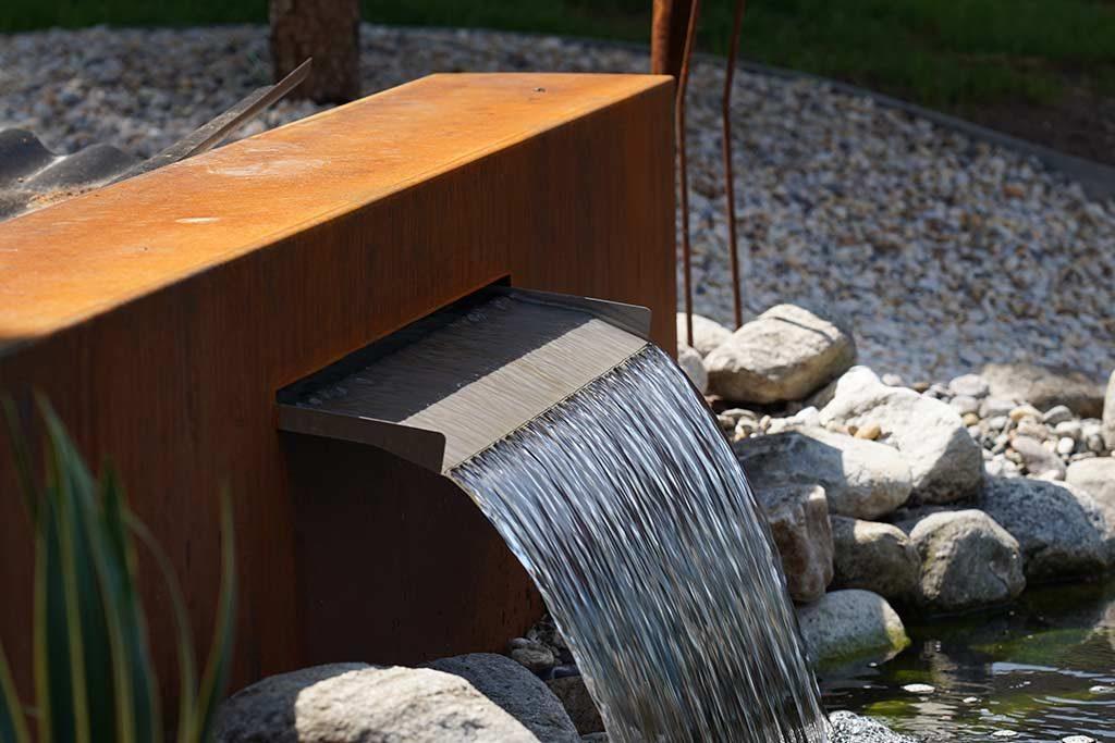 Breiter Wassereinlass